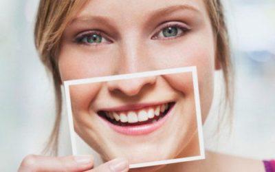 """PSYCHOLOGIE POSITIVE : SOURIRE :  """"Un sourire ne coûte rien et produit beaucoup …"""