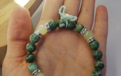 14€ bracelets artisanaux. Modèle unique.